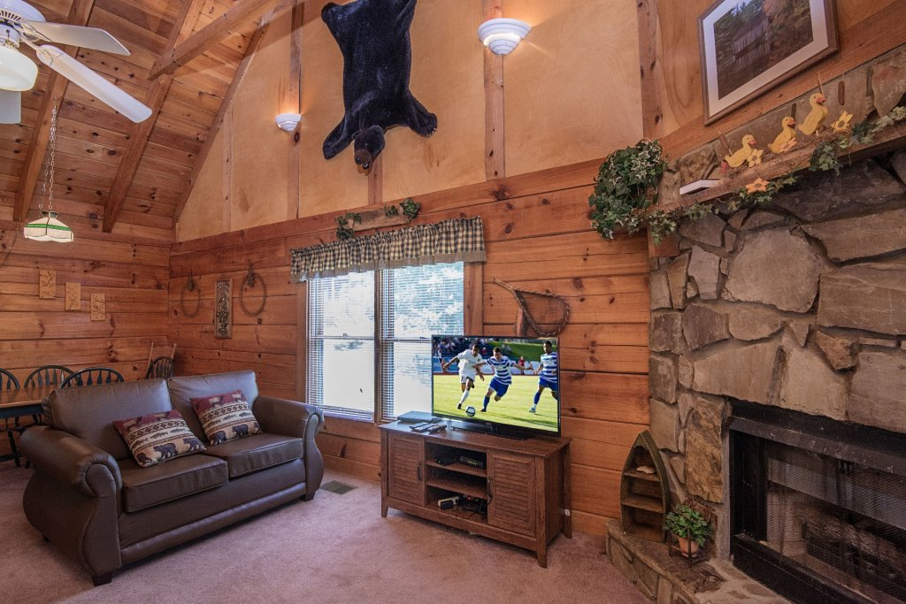 Photo of a Pigeon Forge Cabin named  Smoky Memories - This is the sixth photo in the set.