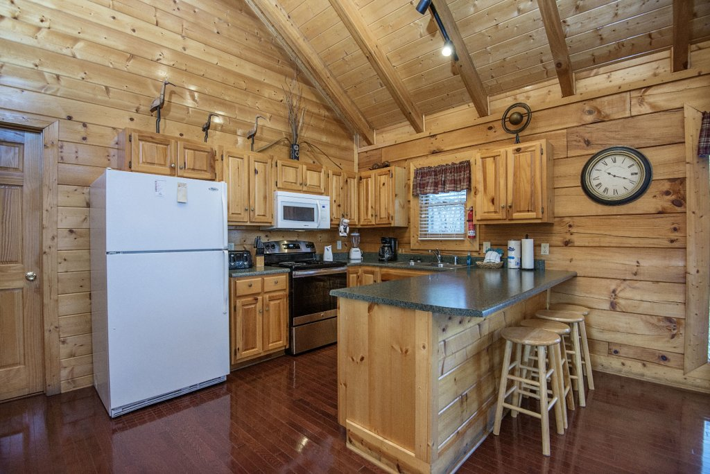 Photo of a Sevierville Cabin named  Almost Paradise - This is the four hundred and seventeenth photo in the set.