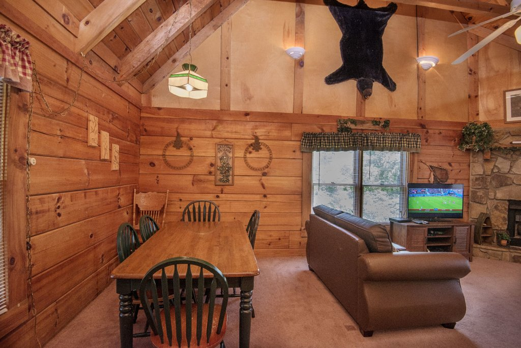 Photo of a Pigeon Forge Cabin named  Smoky Memories - This is the twenty-fifth photo in the set.