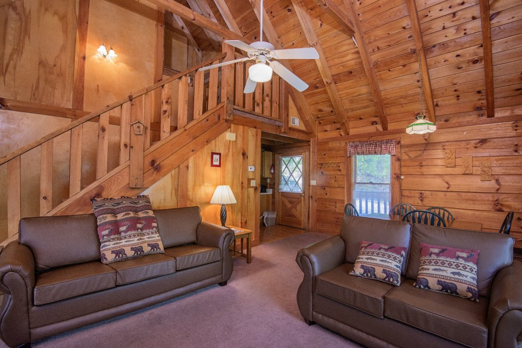 Photo of a Pigeon Forge Cabin named  Smoky Memories - This is the seventeenth photo in the set.