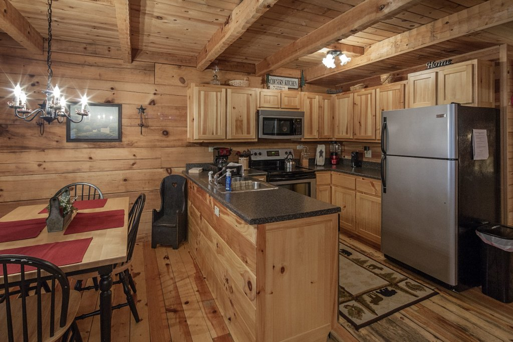 Photo of a Pigeon Forge Condo named  Jalyn's Treehouse - This is the five hundred and forty-second photo in the set.
