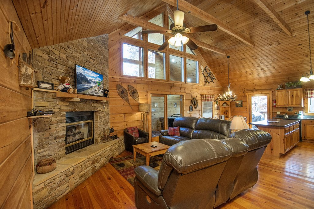 Photo of a Pigeon Forge Cabin named  Best Of Both Worlds - This is the one hundred and fortieth photo in the set.