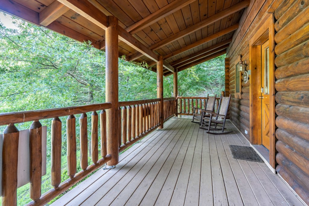 Photo of a Sevierville Cabin named Bear Naked - This is the fourteenth photo in the set.