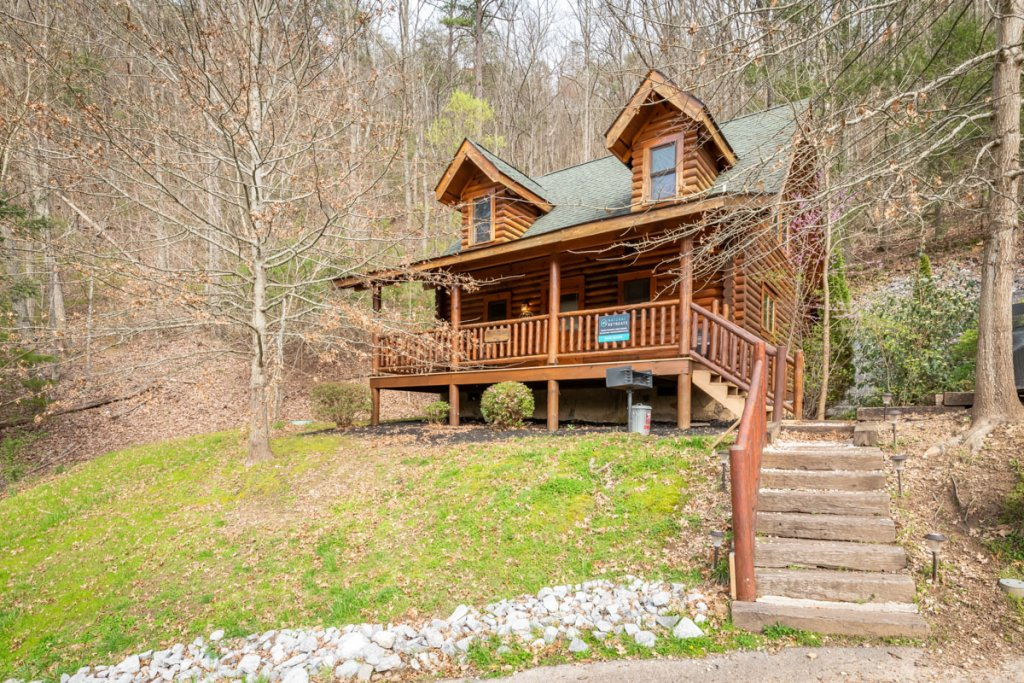 Photo of a Sevierville Cabin named Bear Naked - This is the first photo in the set.