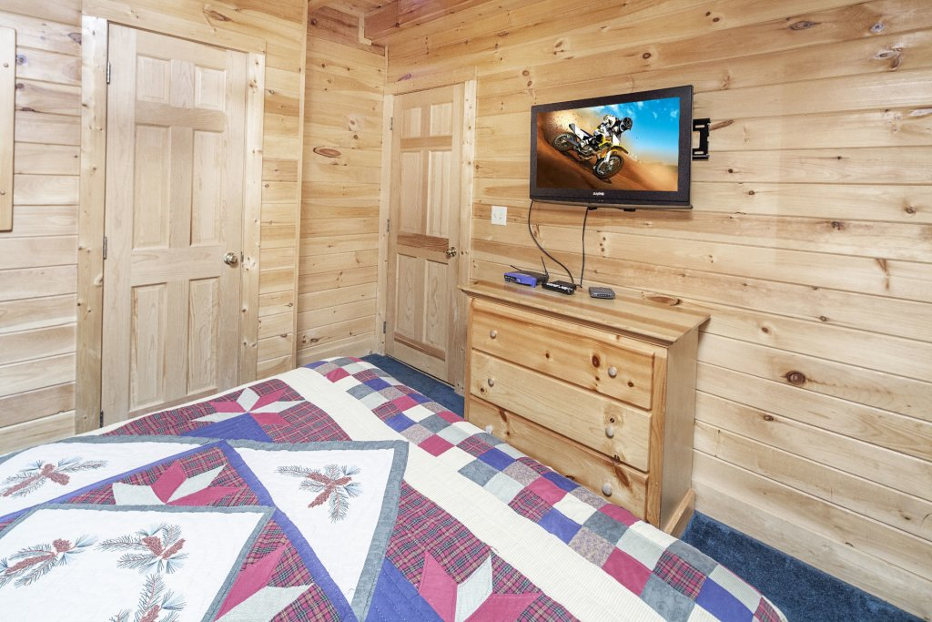 Photo of a Pigeon Forge Cabin named  Treasure Mountain - This is the four hundred and twenty-second photo in the set.