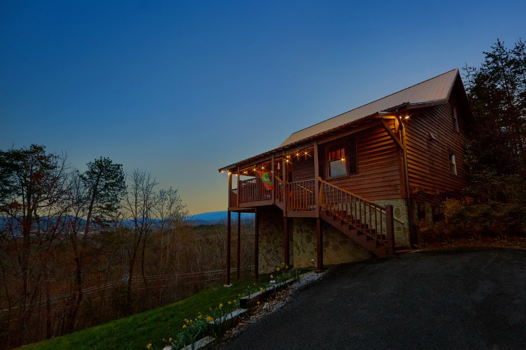 Photo of a Pigeon Forge Cabin named Fireside Chats - This is the sixth photo in the set.