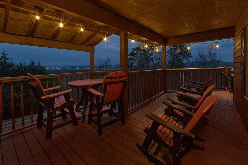 Photo of a Pigeon Forge Cabin named Fireside Chats - This is the fourth photo in the set.