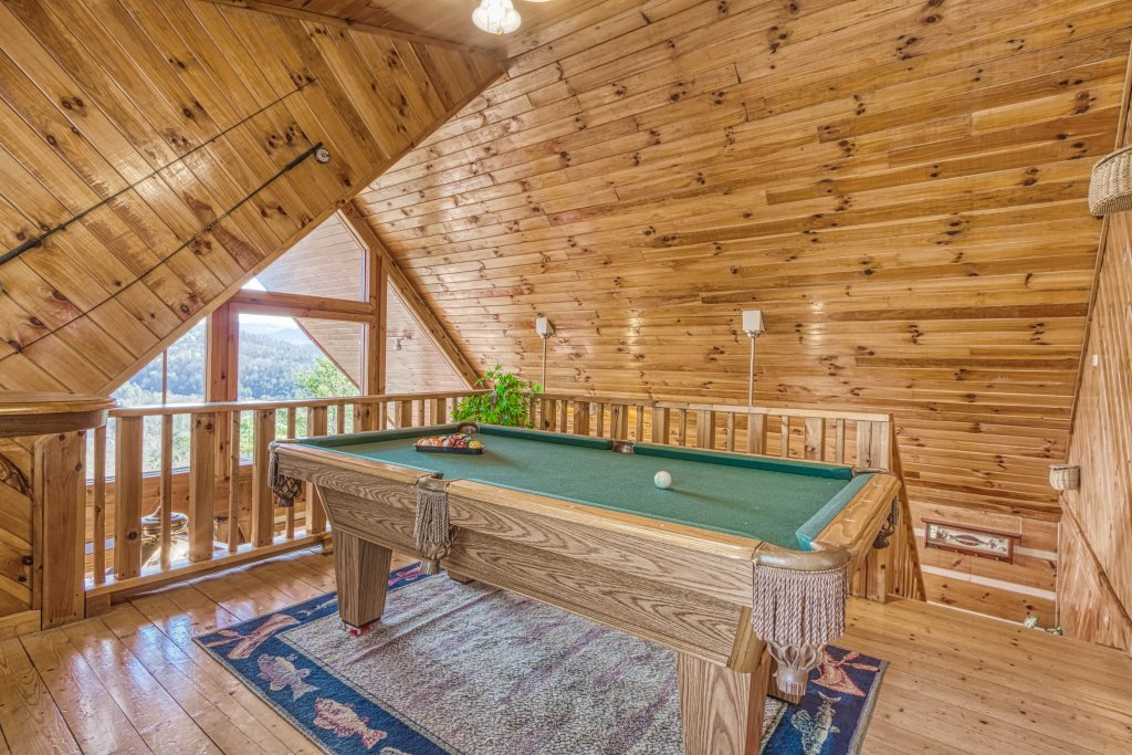 Photo of a Pigeon Forge Cabin named A Smokin View #1844 - This is the twelfth photo in the set.