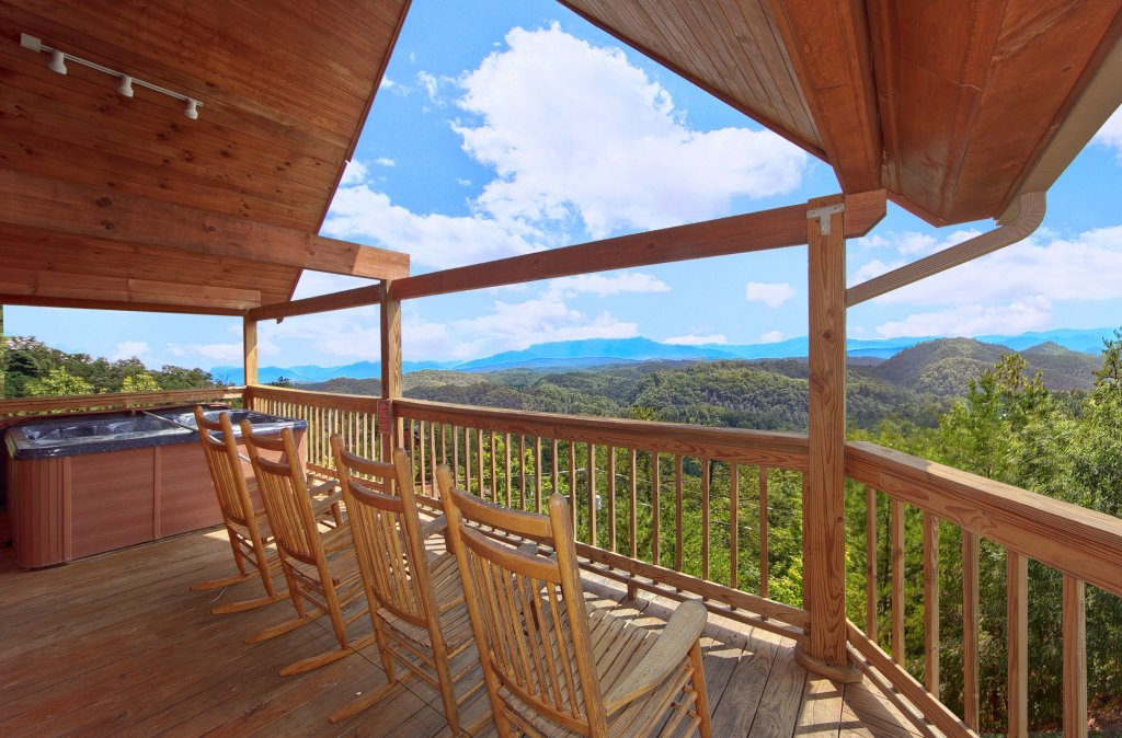 Photo of a Pigeon Forge Cabin named A Smokin View #1844 - This is the fifty-fourth photo in the set.
