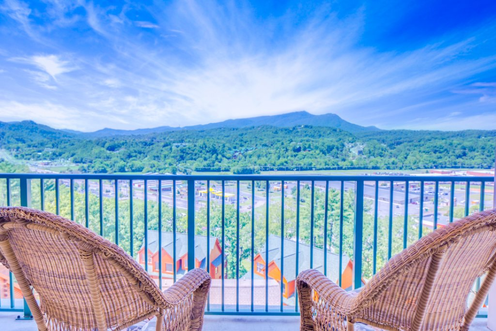 Photo of a Pigeon Forge Condo named Pinnacle Condo - This is the first photo in the set.