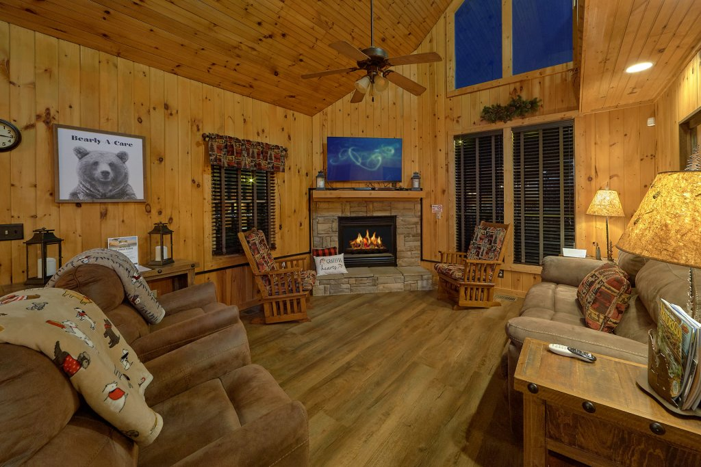 Photo of a Pigeon Forge Cabin named Fireside Chats - This is the twelfth photo in the set.