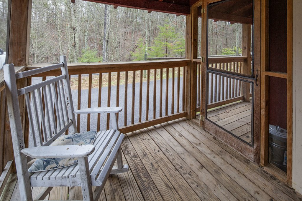 Photo of a Pigeon Forge Cabin named Natures View - This is the one thousand two hundred and twelfth photo in the set.