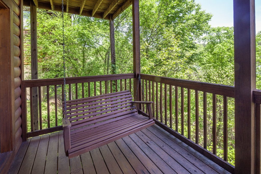 Photo of a Sevierville Cabin named  Absolute Paradise - This is the one thousand and thirty-second photo in the set.