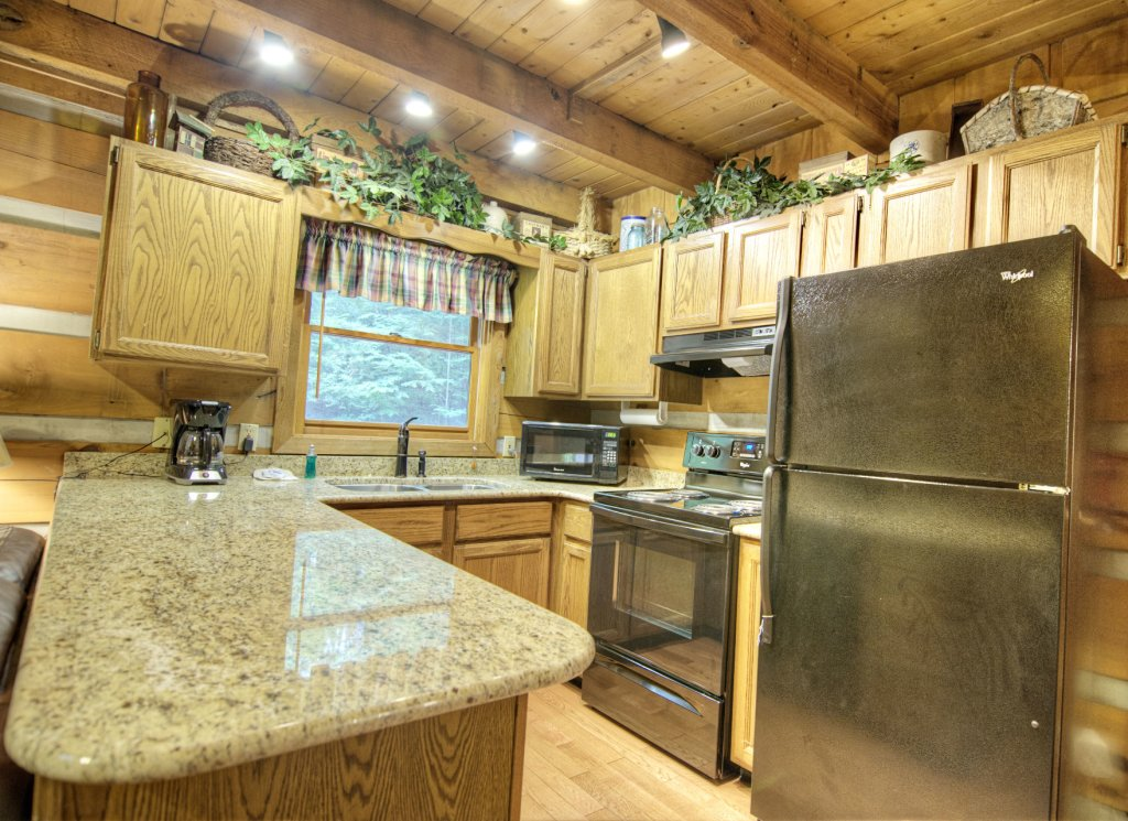Photo of a Pigeon Forge Cabin named The Loon's Nest (formerly C.o.24) - This is the three hundred and twenty-first photo in the set.