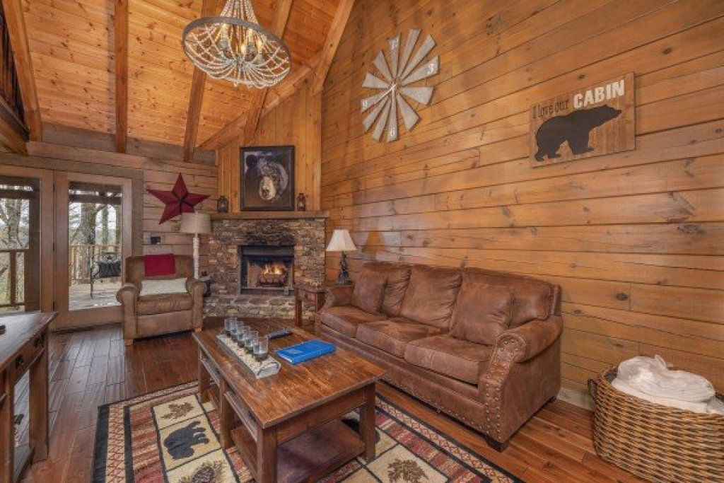 Photo of a Sevierville Cabin named 2 Cute - This is the third photo in the set.