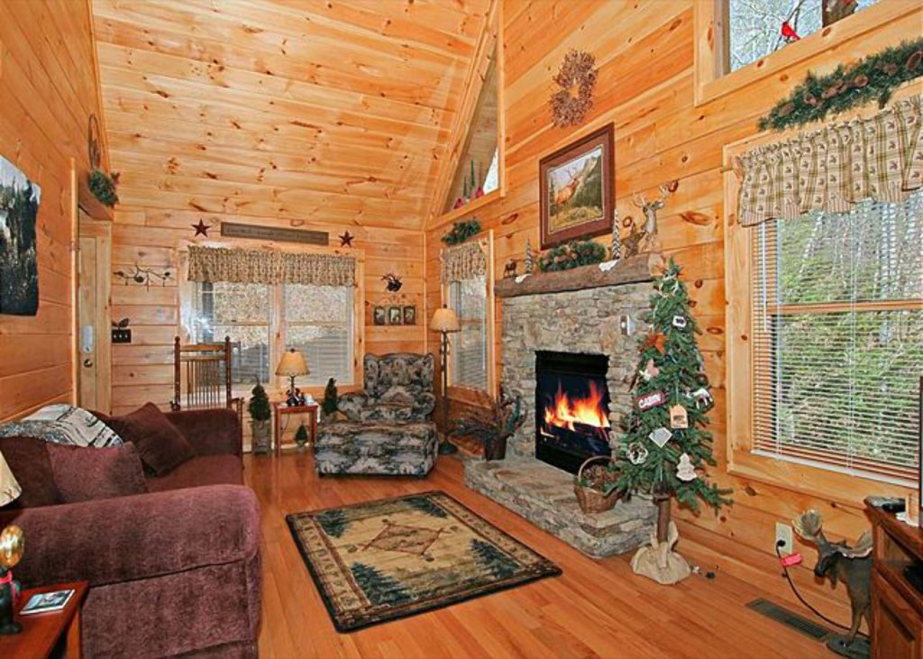 Photo of a Pigeon Forge Cabin named Mystic Mountain - This is the one hundred and twenty-fourth photo in the set.