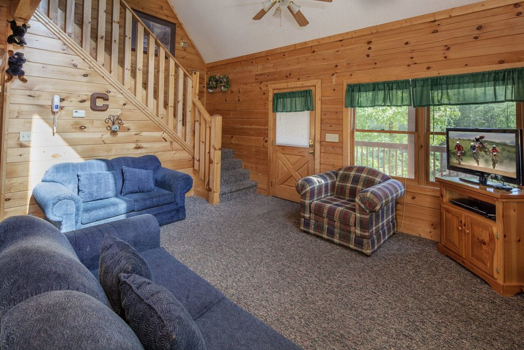 Photo of a Pigeon Forge Cabin named  Black Bear Hideaway - This is the three hundred and seventy-fourth photo in the set.