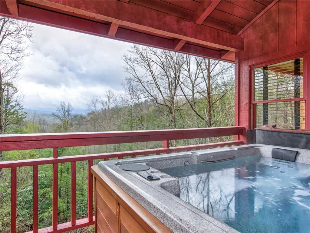 Photo of a Gatlinburg Cabin named Mountain Rose - This is the first photo in the set.