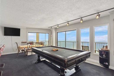 Summit Penthouse 1515, 3 Bedrooms, Pool, Beach Front, Sleeps 18