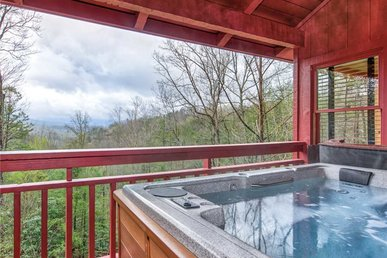 Mountain Rose, 2 Br, Pool Access, Hot Tub, Sleeps 6