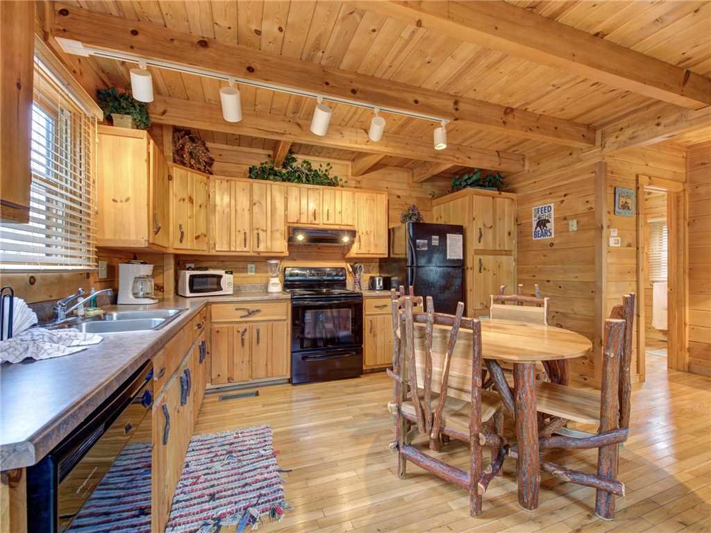 Photo of a Sevierville Cabin named Dreams Do Come True - This is the seventh photo in the set.