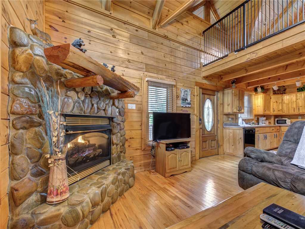 Photo of a Sevierville Cabin named Dreams Do Come True - This is the second photo in the set.