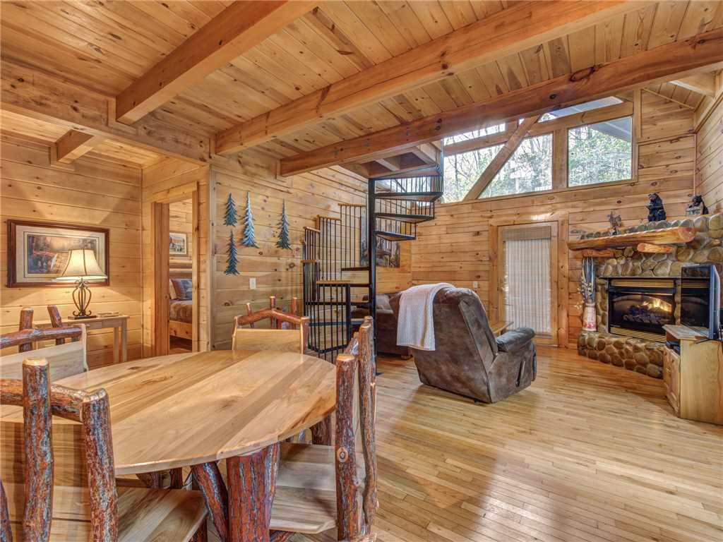 Photo of a Sevierville Cabin named Dreams Do Come True - This is the eighth photo in the set.