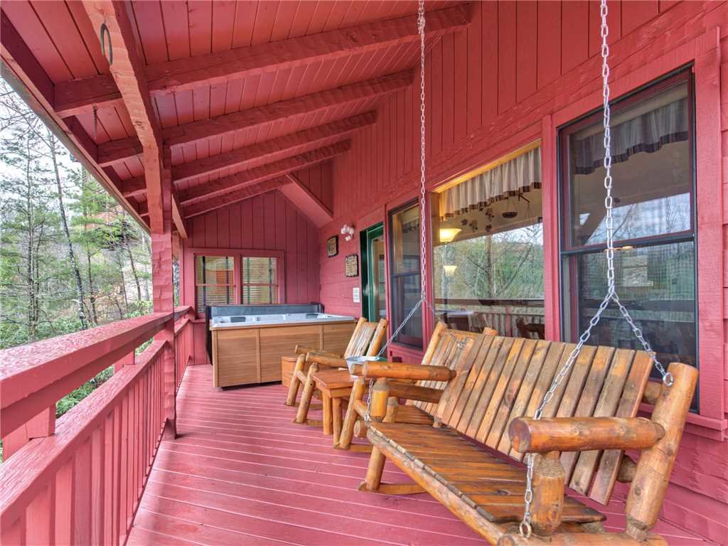 Photo of a Gatlinburg Cabin named Mountain Rose - This is the eighth photo in the set.