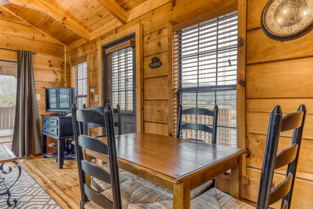 Photo of a Sevierville Cabin named Calvery Cabin - This is the seventh photo in the set.