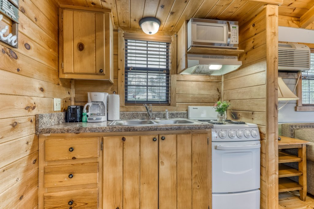 Photo of a Sevierville Cabin named Calvery Cabin - This is the eighth photo in the set.