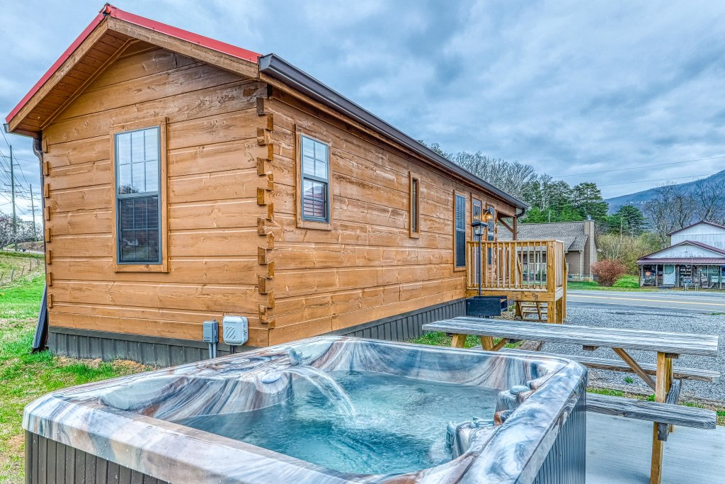 Photo of a Sevierville Cabin named Calvery Cabin - This is the second photo in the set.