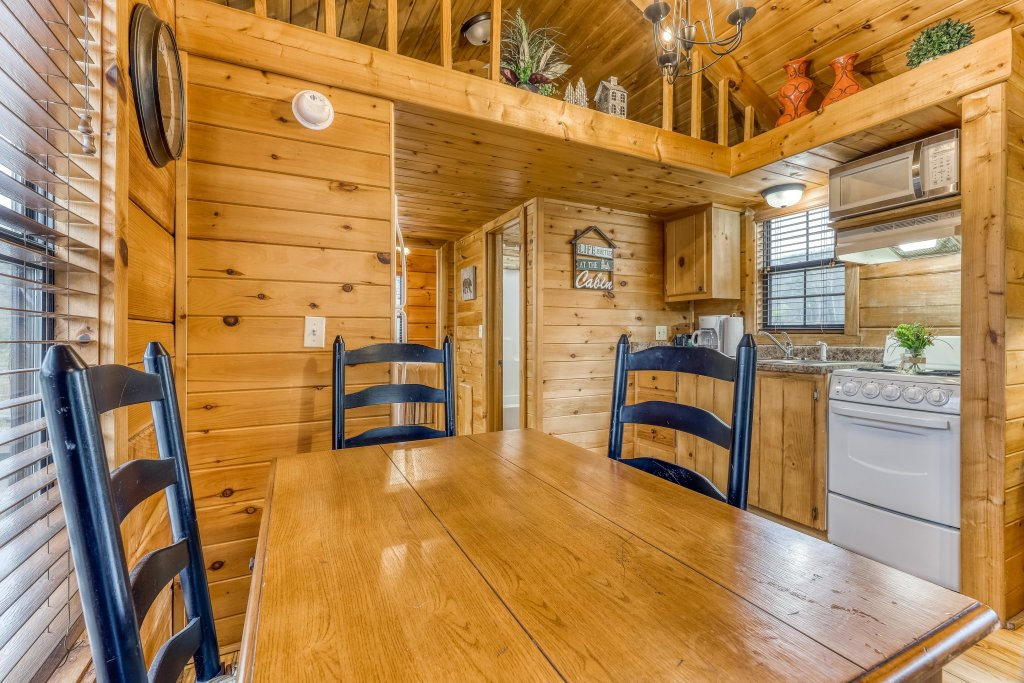 Photo of a Sevierville Cabin named Calvery Cabin - This is the sixth photo in the set.