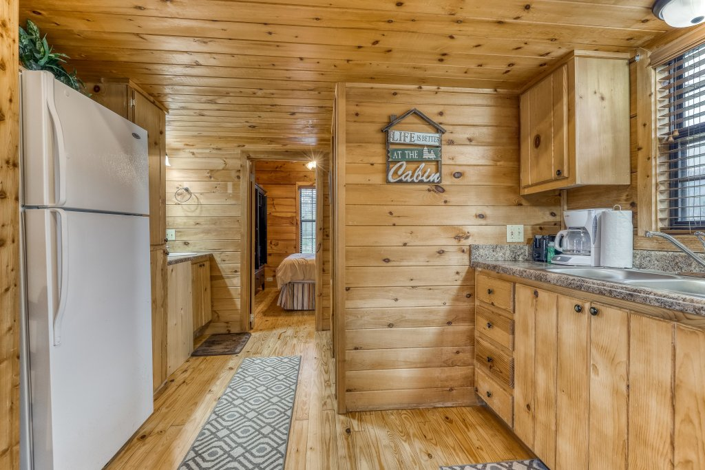 Photo of a Sevierville Cabin named Calvery Cabin - This is the ninth photo in the set.
