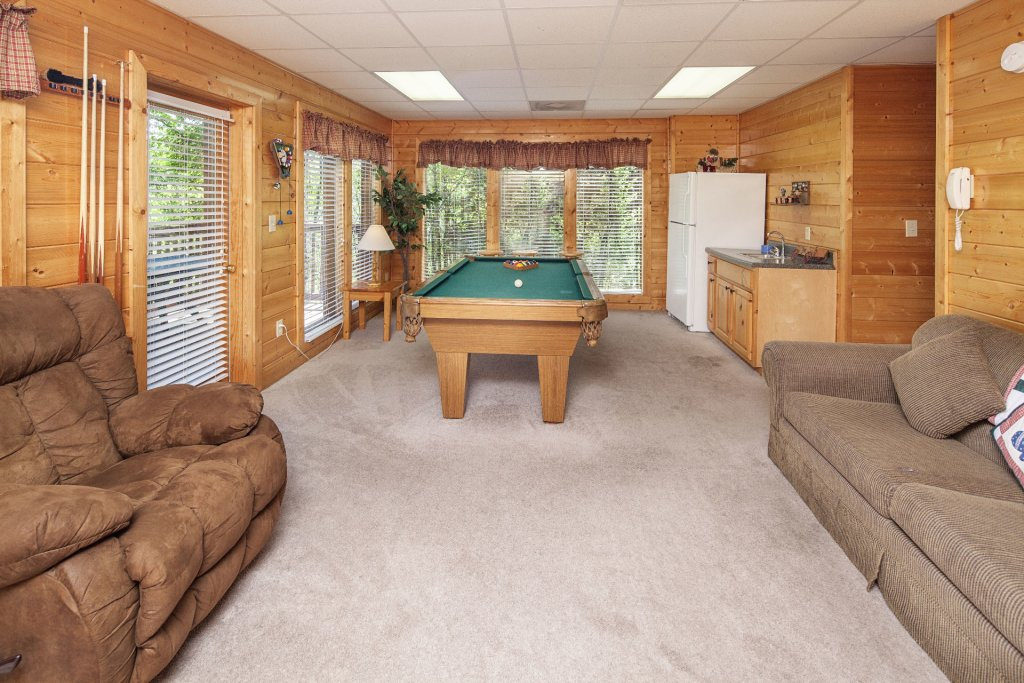 Photo of a Sevierville Cabin named  Absolute Paradise - This is the six hundred and seventy-second photo in the set.