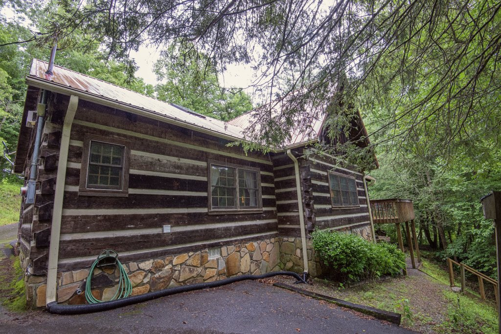 Photo of a Pigeon Forge Cabin named Valhalla - This is the four hundred and eighty-sixth photo in the set.