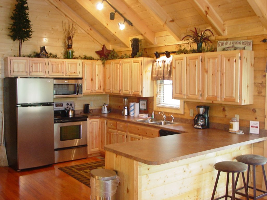 Photo of a Sevierville Cabin named  Cozy Cabin - This is the three hundred and sixty-sixth photo in the set.