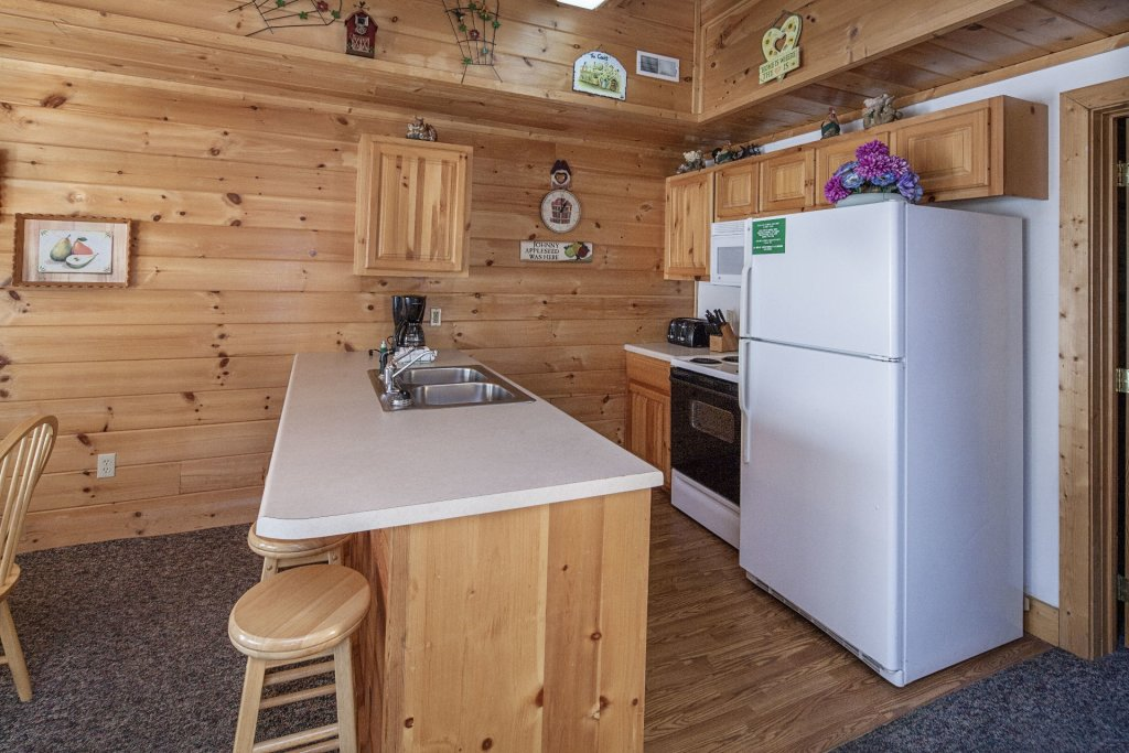 Photo of a Pigeon Forge Cabin named  Black Bear Hideaway - This is the four hundred and thirteenth photo in the set.