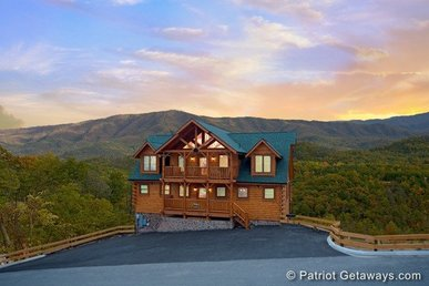 5 Bedroom, 5.5 Bath Luxury Plus Lodge With Incredible Views And Great For Groups