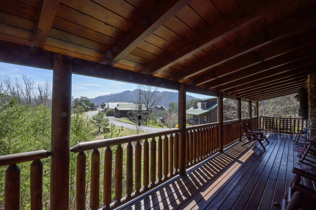 Photo of a Sevierville Cabin named  Cozy Cabin - This is the seventy-second photo in the set.