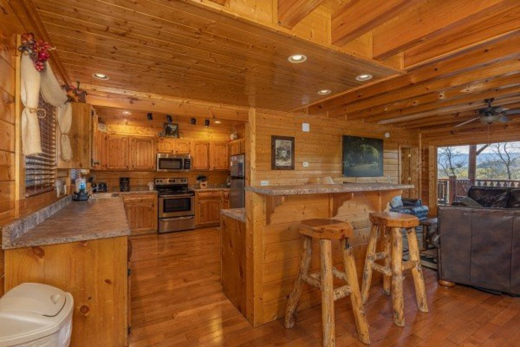 Photo of a Sevierville Cabin named Grand Timber Lodge - This is the tenth photo in the set.