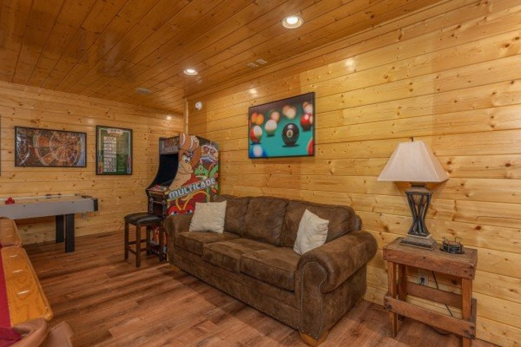 Photo of a Sevierville Cabin named Grand Timber Lodge - This is the thirty-first photo in the set.