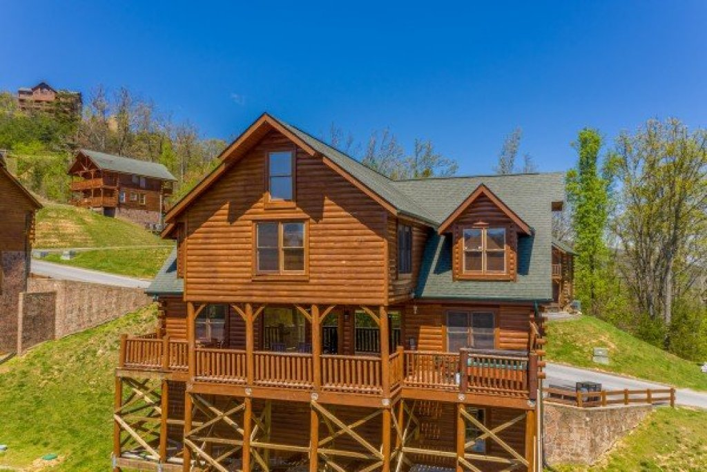 Photo of a Sevierville Cabin named Grand Timber Lodge - This is the fifty-seventh photo in the set.