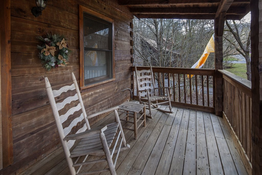Photo of a Pigeon Forge Condo named  Jalyn's Treehouse - This is the one thousand seven hundred and thirteenth photo in the set.
