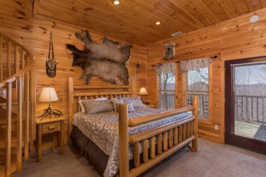 Photo of a Sevierville Cabin named A View To A Thrill - This is the twelfth photo in the set.