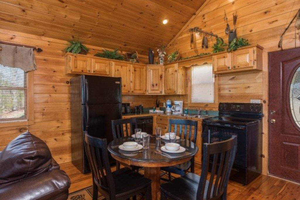 Photo of a Sevierville Cabin named A View To A Thrill - This is the fourth photo in the set.
