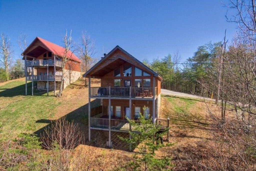 Photo of a Sevierville Cabin named A View To A Thrill - This is the sixteenth photo in the set.
