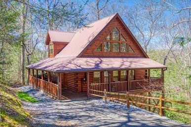 Luxury Log Home In Gated Resort Near Gatlinburg & Pigeon Forge With Game Room