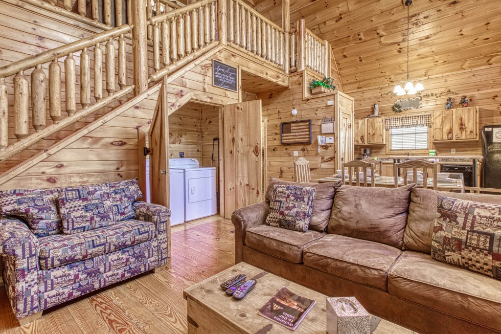 Photo of a Pigeon Forge Cabin named Shamrock Lodge #215 - This is the twelfth photo in the set.
