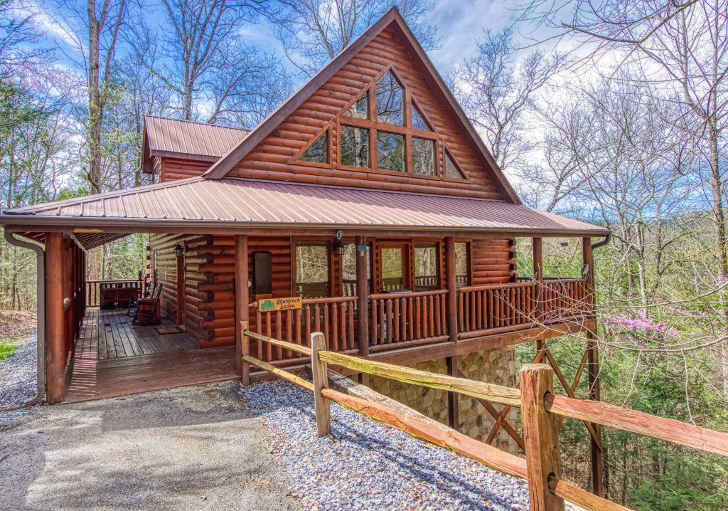Photo of a Pigeon Forge Cabin named Shamrock Lodge #215 - This is the thirty-sixth photo in the set.
