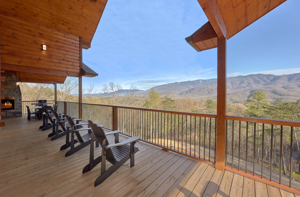 Photo of a Gatlinburg Cabin named Misty Mountain Adventure Lodge - This is the tenth photo in the set.